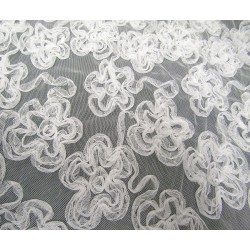 Embroidered  3D net fabric - white